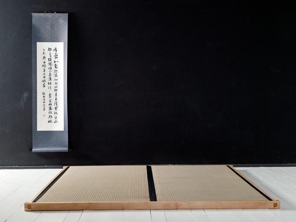 Marco de tatamis con 2 tatamis de 90x200cm.